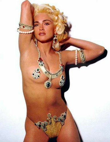 Madonna Nago