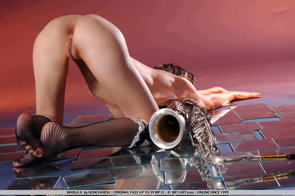 Seksowna saksofonistka