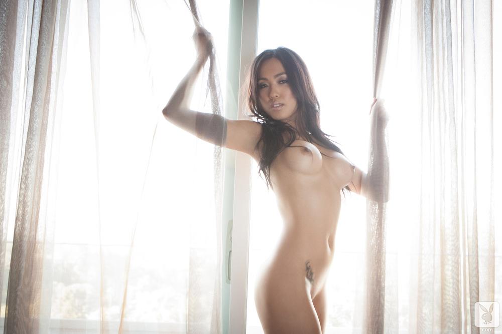 Subtelna brunetka