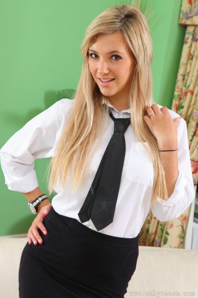Blond uczennica