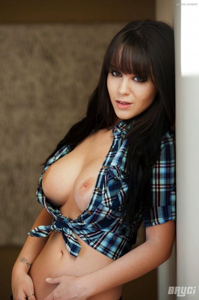 Naturalne wielkie piersi