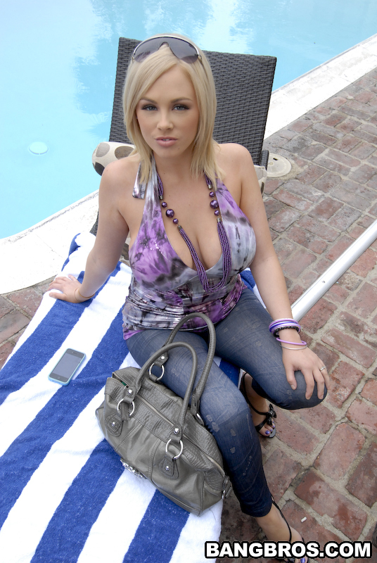 Katie Kox na basenie