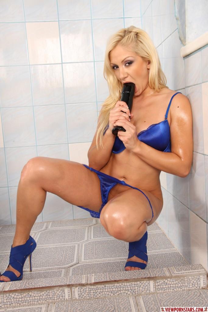 Anal pod prysznicem