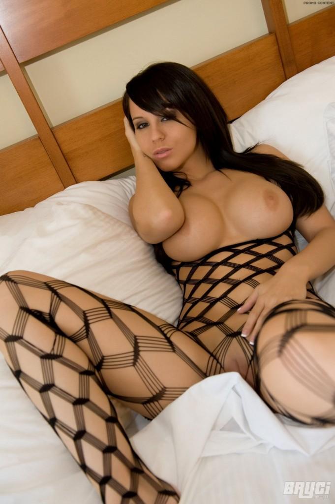 Ponętna brunetka