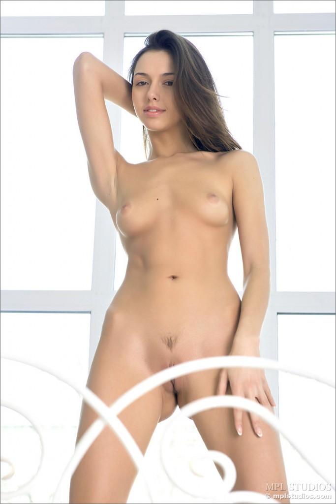 Anielska brunetka