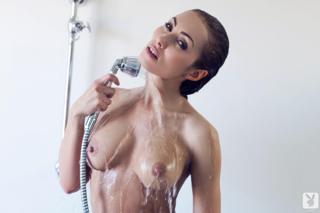 Gorąca laska w kąpieli