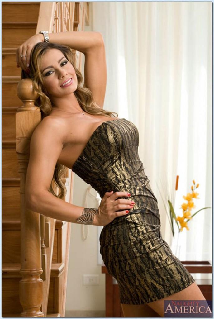 Esperanza w złotej sukni