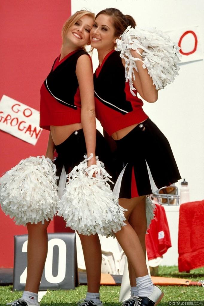 Para cheerleaderek