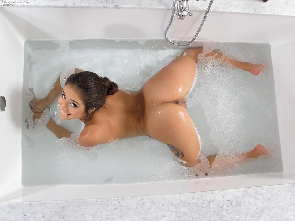 Jinx w wannie