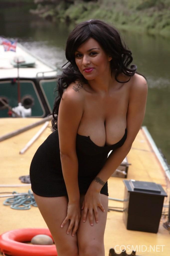 Cycki na łódce