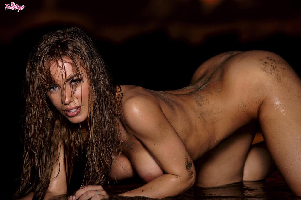 Nicole w błocie