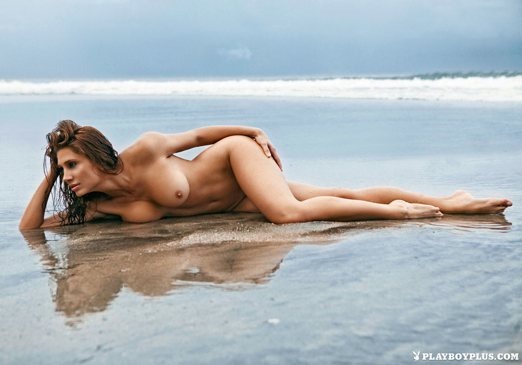 Dziewczyna na wyspie