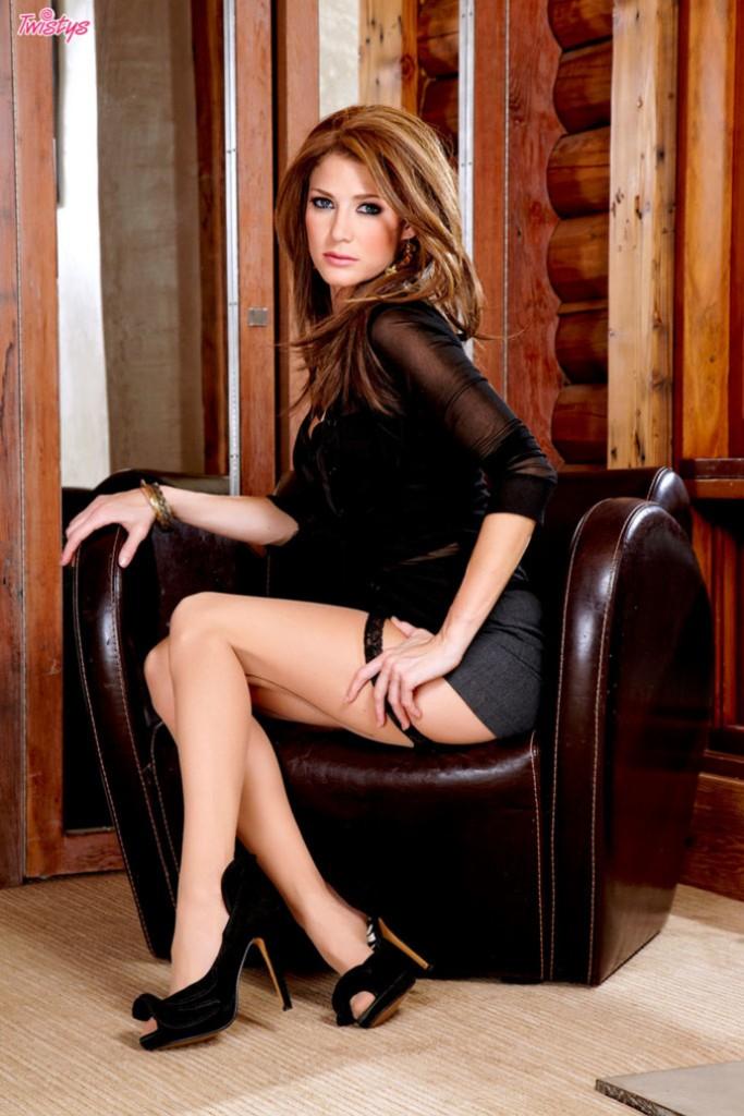 Jenni w fotelu