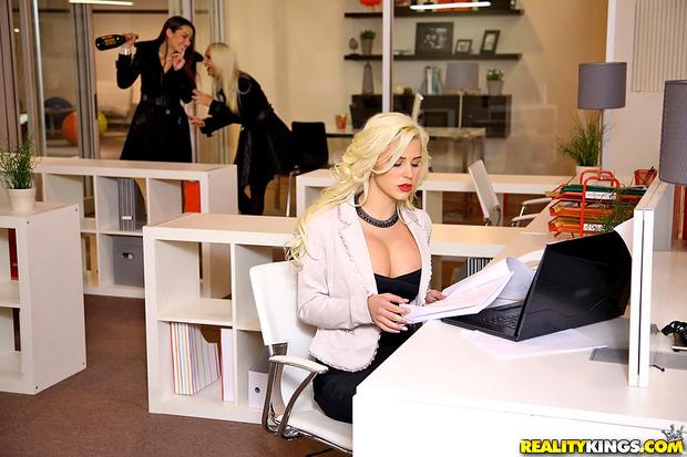 Spencer w biurze