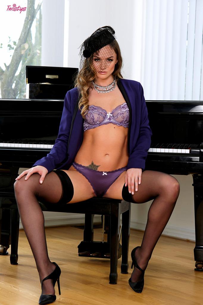 Tori na fortepianie