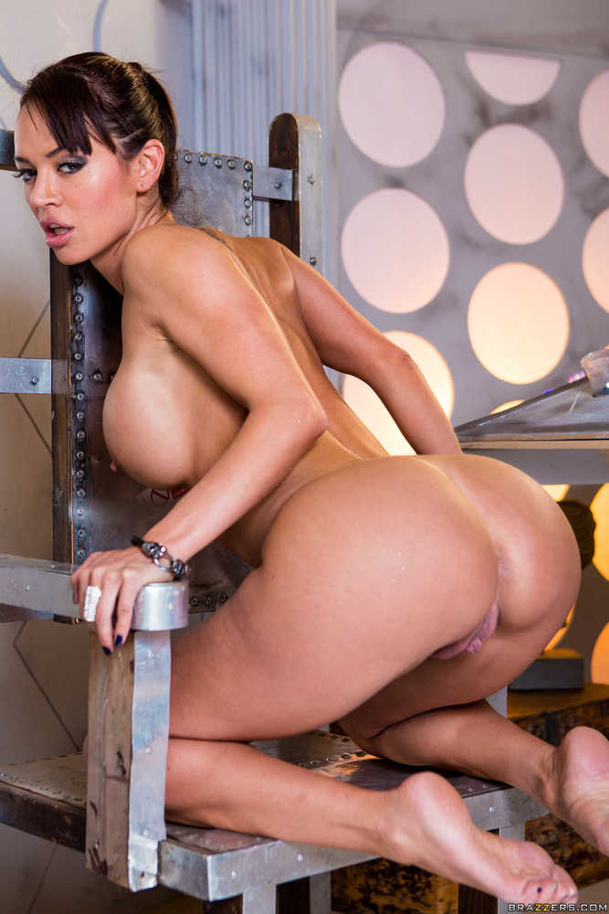 Latina With Killer Curves Franceska Jaimes Flaunts Her Meaty Vagina 1