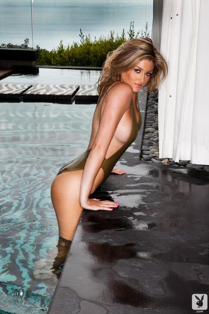 Mokra modelka Playboya