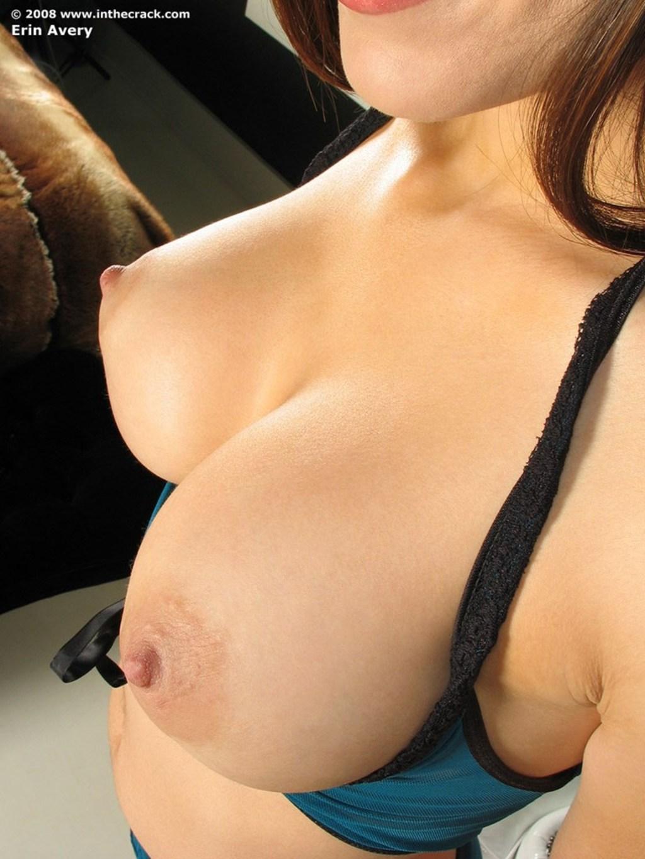 Стоячие груди у молодых фото 21 фотография