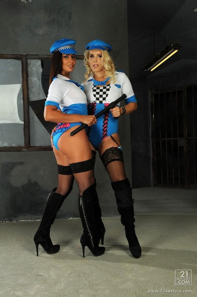 Sztuczne policjantki