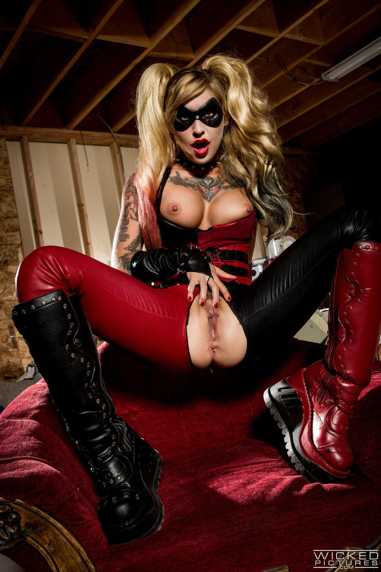 Harley quinn being fucked by the devil