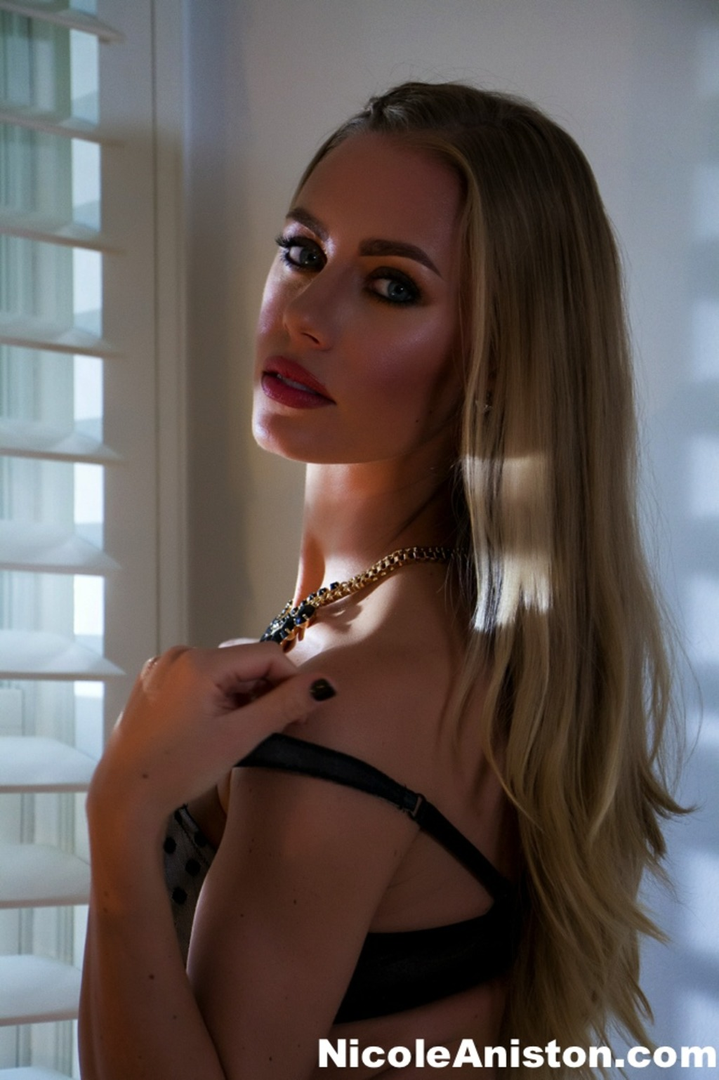 Nicole Aniston.Com