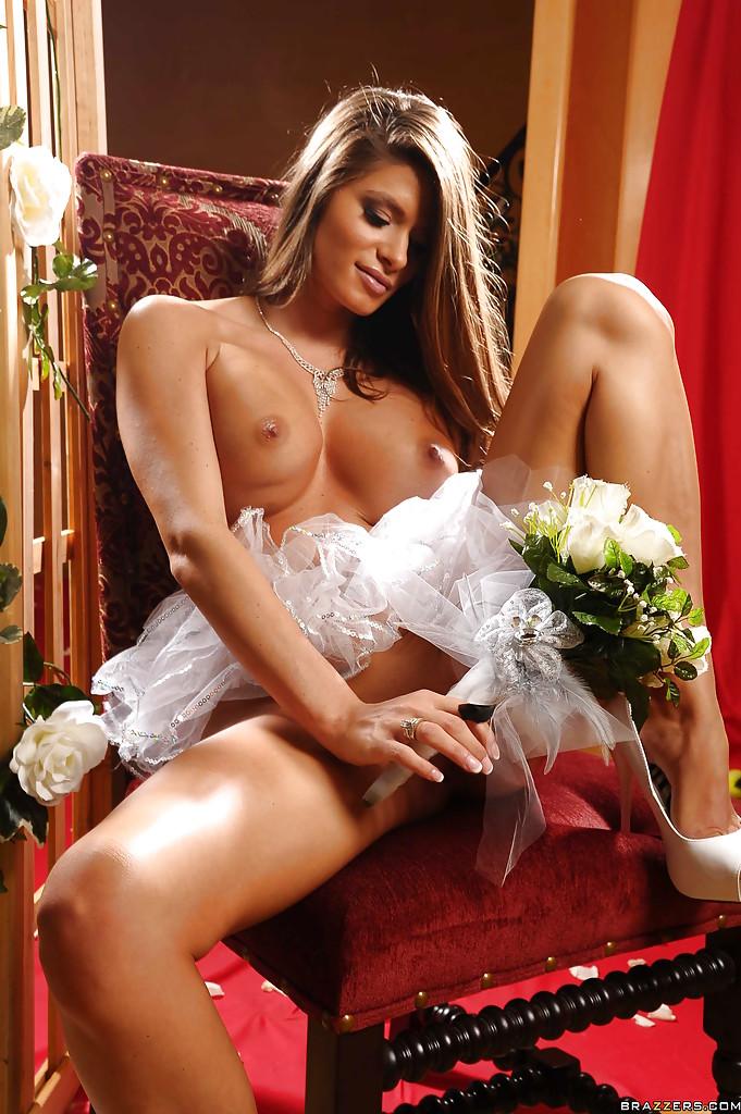 фото телок невест голых