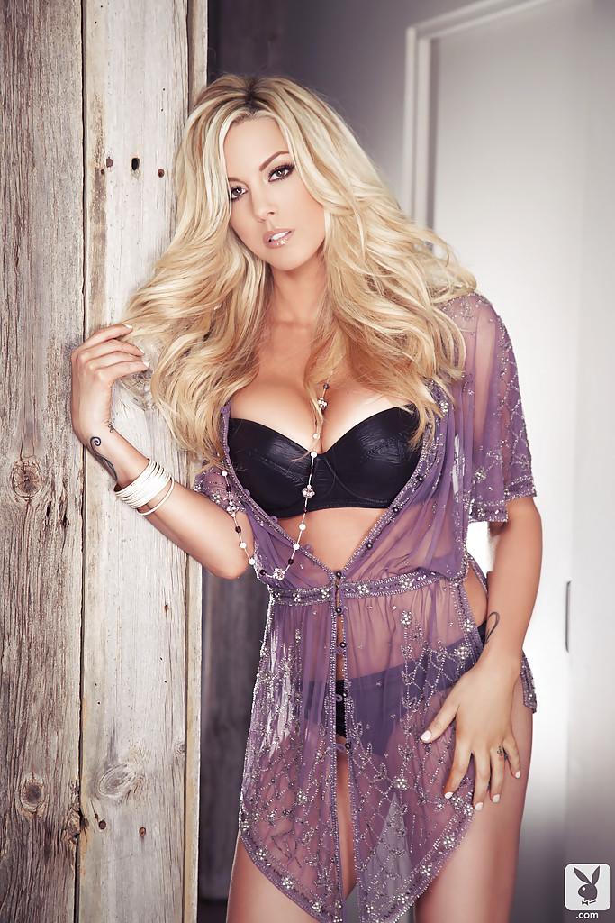 Blondi w Playboyu