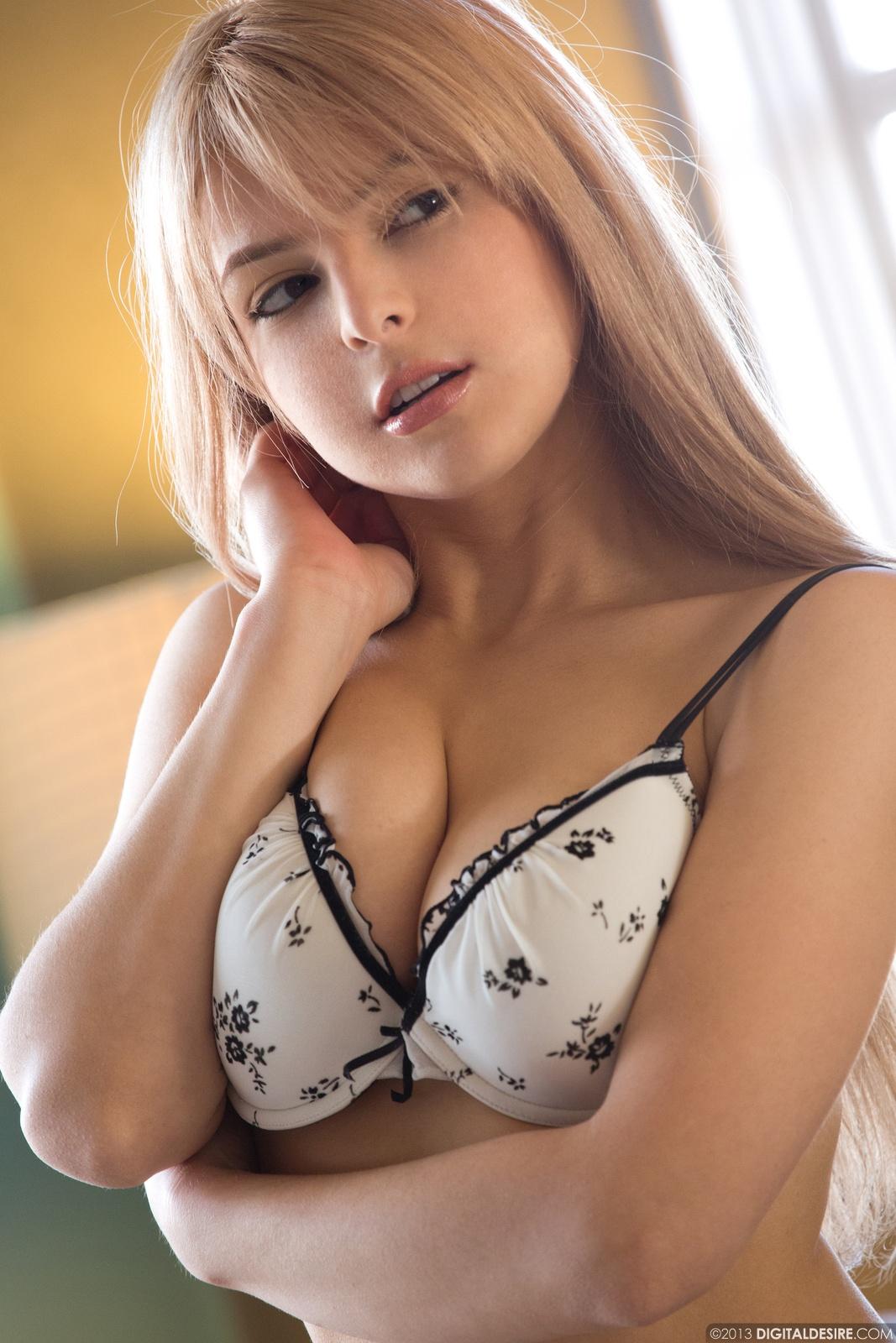 Topless Www Nude Sexy Pics Jpg