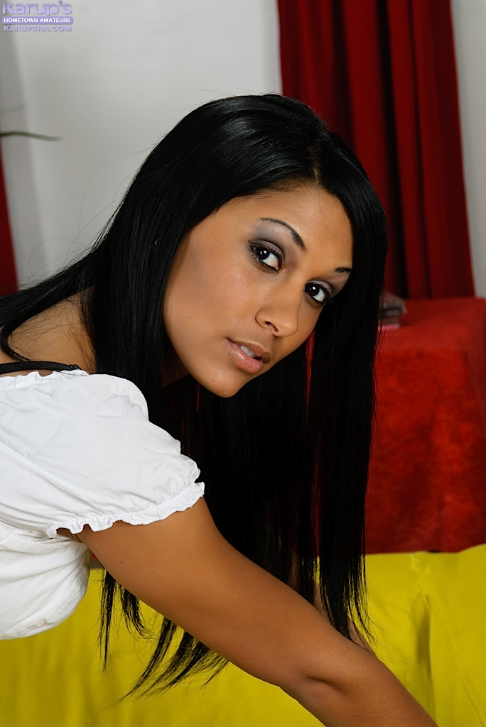Cudowna szczupła brunetka