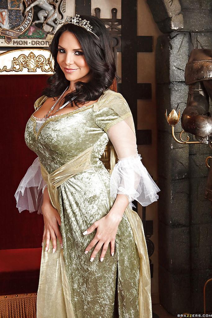 Cudowna Missy Martinez