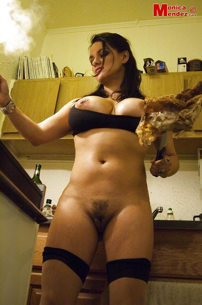 Monica Mendez w kuchni
