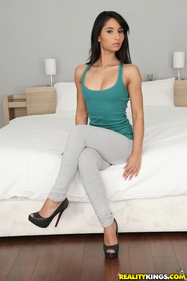 Mikes apartment babes — 1