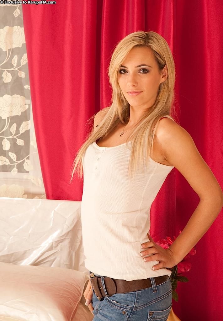 Piękna Louise Rose