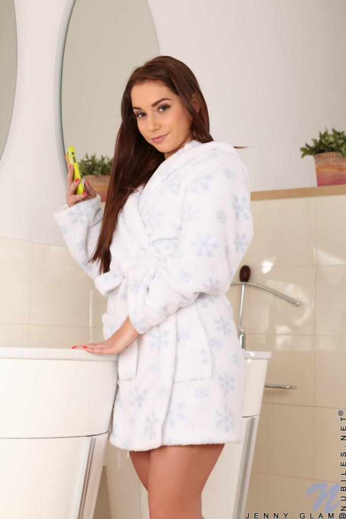 Jenny Glam w szlafroku