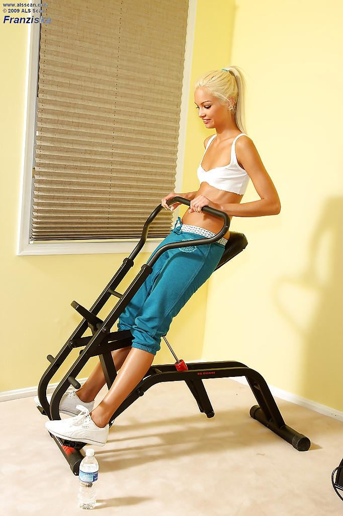 Blondi na siłowni