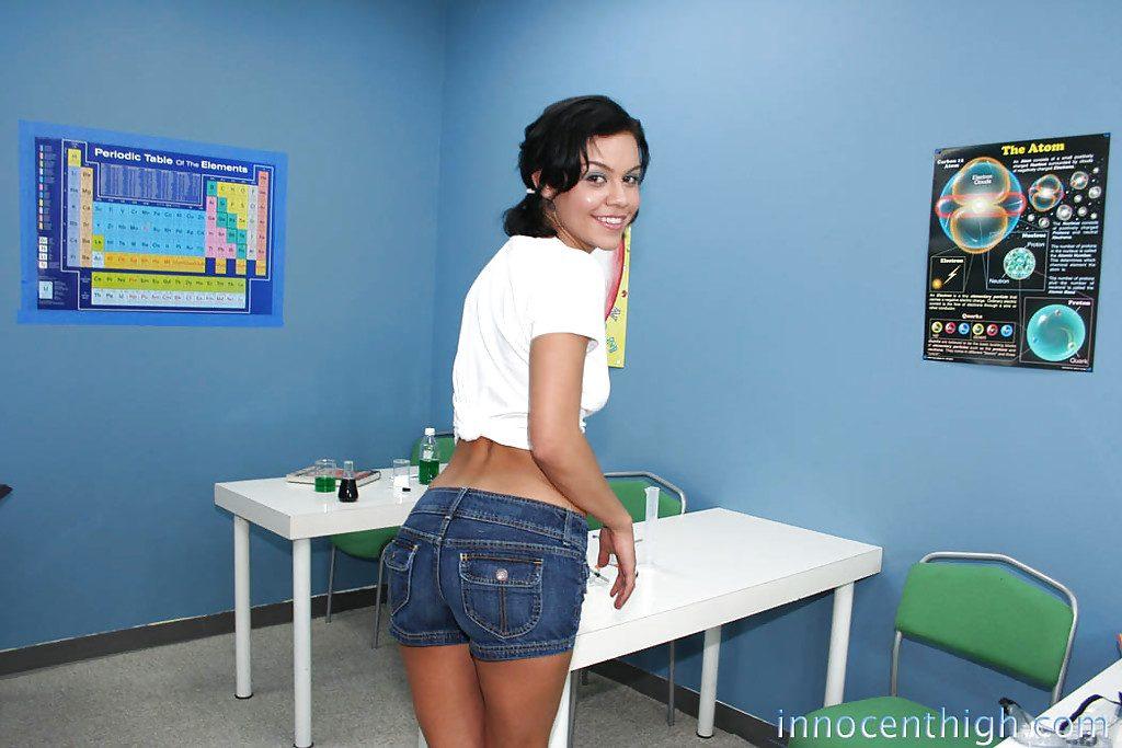 Ruby Knox w szkole