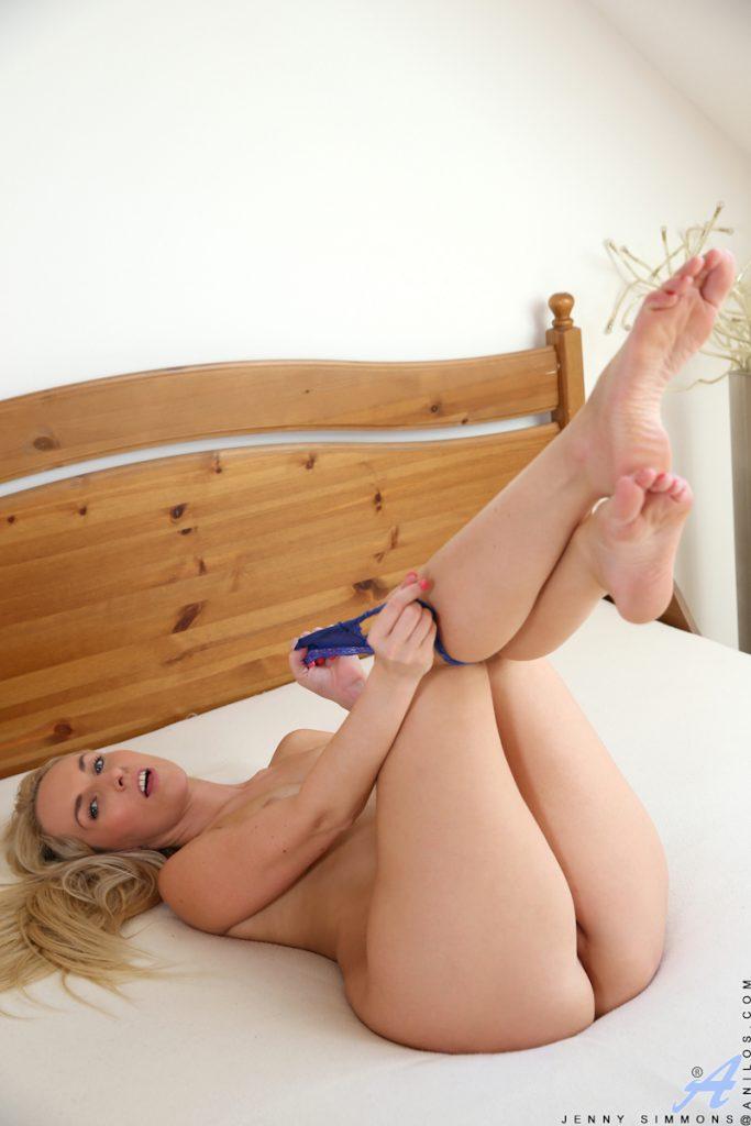 Blondyna z wibratorem
