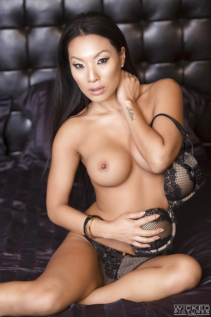 ofitsialniy-sayt-porno-aktris