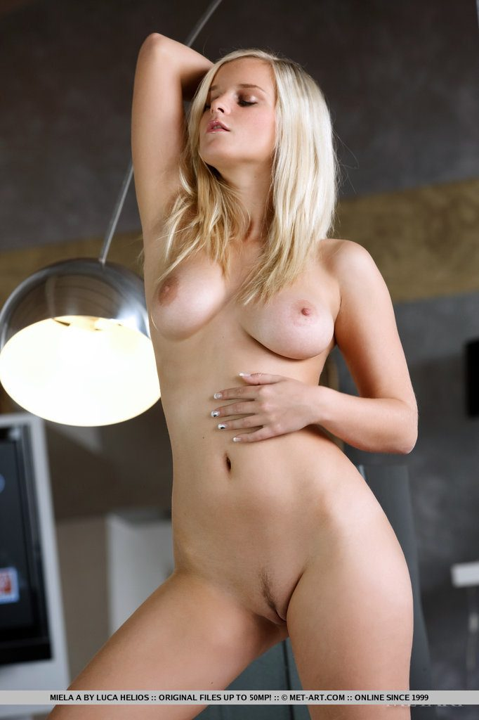 Blond sunia