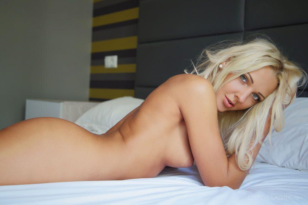 Seksowna i bardzo wygimnastykowana