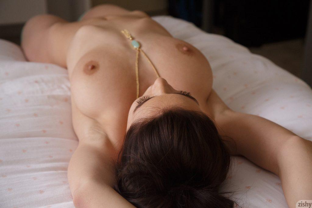 Naga giwazda porno